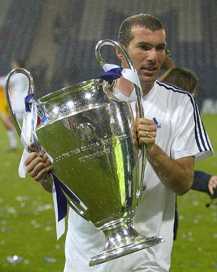 Zidane after the 2002 Champions league final. Credit footy
