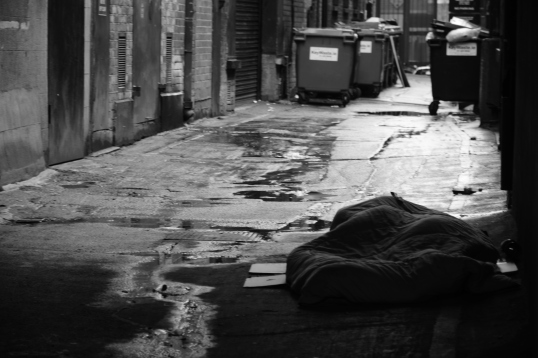 Many homeless people have this sad life because of drug addiction, job loss or family problems. Photo by: Maira De Gois