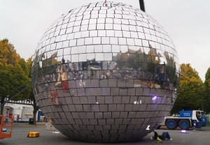 worlds-largest-mirror-ball-source-colm-phelan