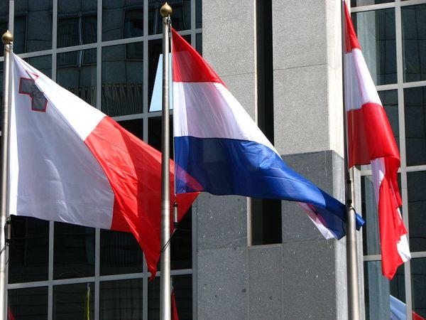 800px-european_flags_4627252438
