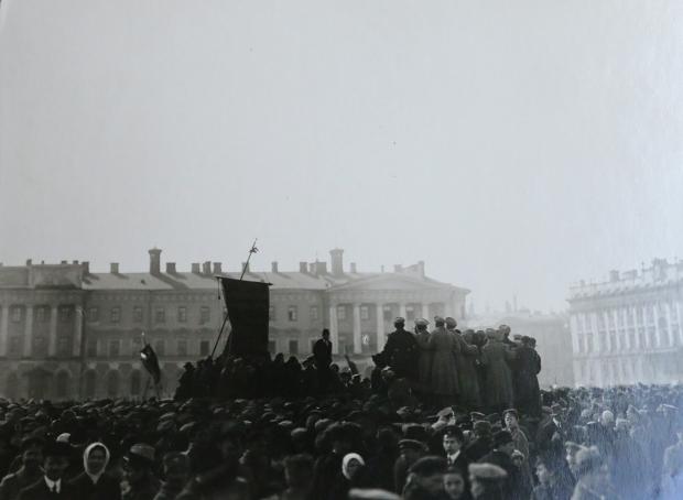 May_1st_1917,_Petrograd_(14264130389)