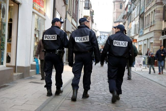 800px-Police-IMG_4105